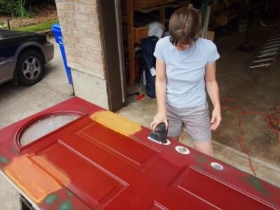 Как покрасить старую дверь
