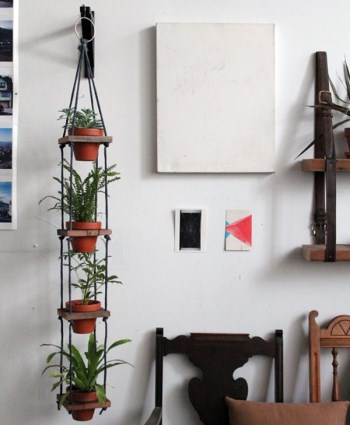 Декор садового участка своими руками из подручных материалов 23