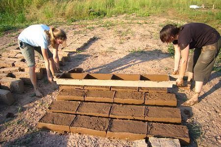 Строим из глины
