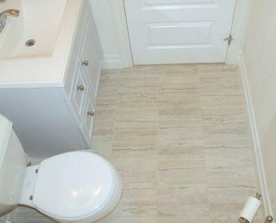 Отремонтированный пол в ванной