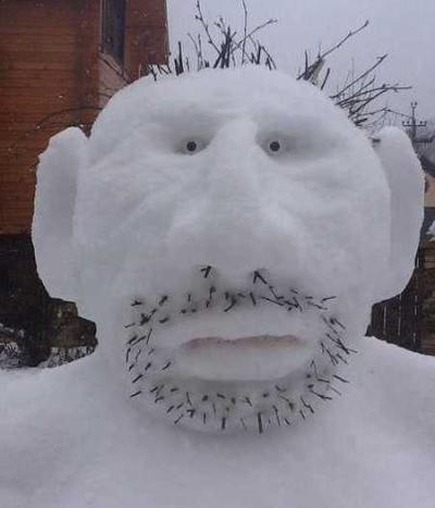 Декоративный снеговик