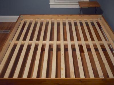 Основание большой кровати