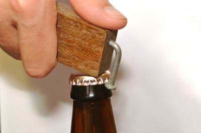 Самодельная открывалка для пивных бутылок