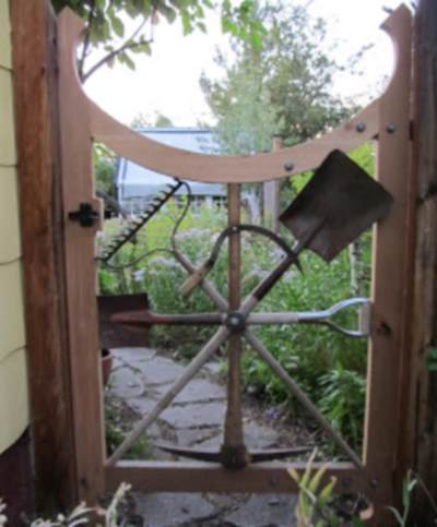 Дизайн садовой калитки