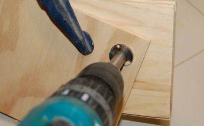 Как расширить отверстие в древесине